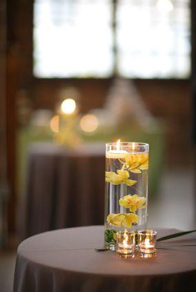 Wedding centerpiece - floating flowers
