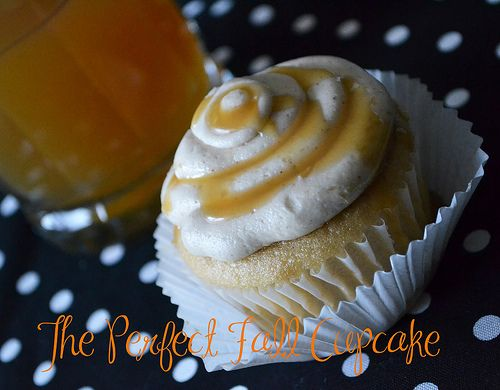 Apple Cider Cupcakes with Maple Cinnamon Buttercream.  A perfect #cupcake for #fall!