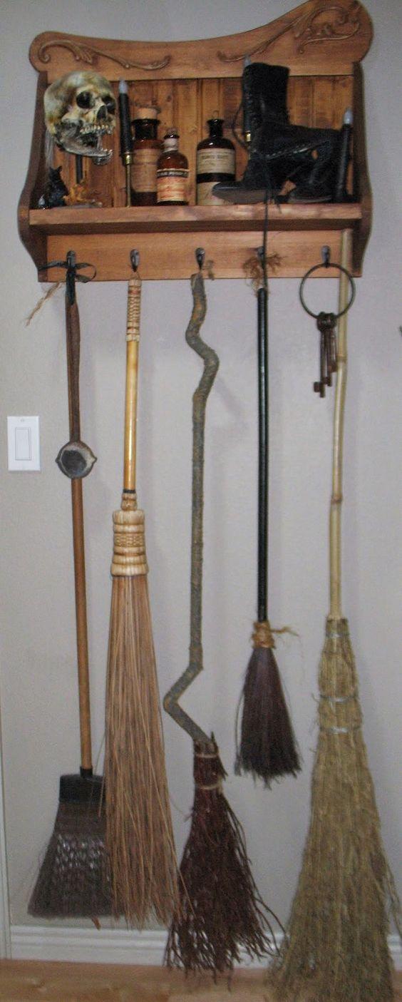 what 39 s brewing broom rack halloween pinterest the doors pr sentoirs suspendus et placard. Black Bedroom Furniture Sets. Home Design Ideas