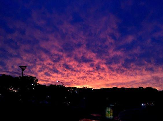 Sunset surreal hoje no parque Barigui. #curitiba #coolritiba #parquebarigui by ubiratansanthus
