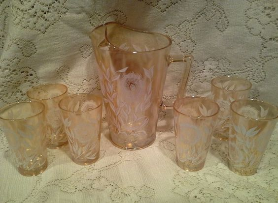 Vintage 1940's Jeannette Cosmos Juice Pitcher W/ 6 glasses.