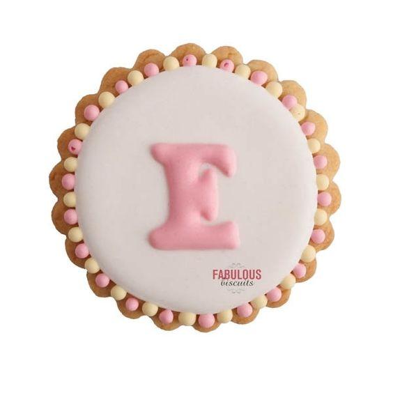 Assortiment de 20 biscuits avec initiale : Biscuits, gateaux par fabulous-biscuits