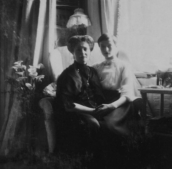 "thefirstwaltz: "" ""Tsarina Alexandra and Grand Duchess Tatiana of Russia. "" """