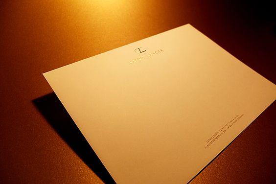 Briefumschlag mit Heißfolienprägung