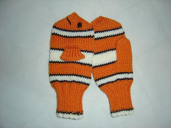 Knitting Patterns For Childrens Characters : Ravelry: Nemo Mittens pattern by Sigurlaug Eva ...