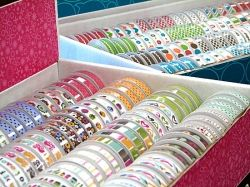 You will find lots of amazing and unexpected ideas on how to use ribbon here! Ideas for crafts using ribbon, crafts for kids, project using ribbon,...
