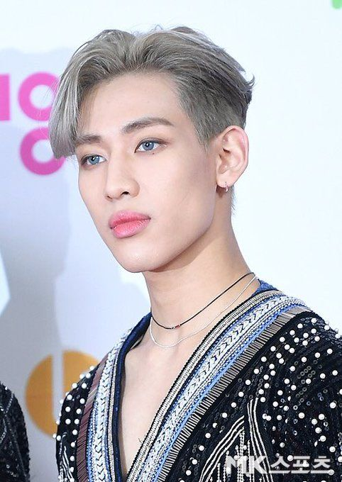 Got7 Bambam Melts Fans Hearts With His Cute Finger Heart At The 2019 Sbs Gayo Daejun Red Carpet Kpop Chingu Got7 Bambam Bambam Got7