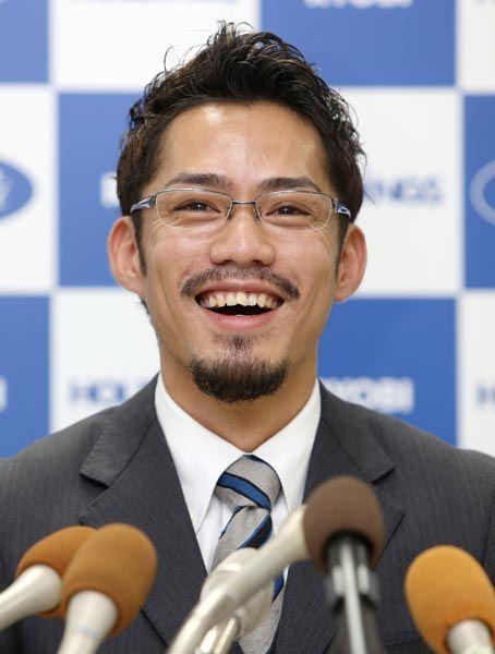 フィギュアスケートのグランプリシリーズ開幕に向けた記者会見に臨む高橋大輔さん