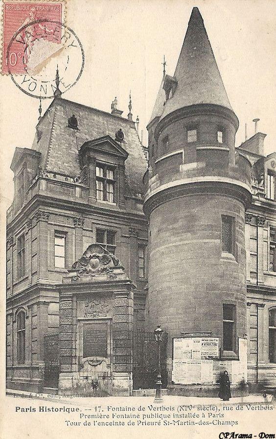 Tour de l'enceinte du Prieuré Saint-Martin des Champs (vers 1140). Angle des rues Saint-Martin et du Vertbois Paris 75003.