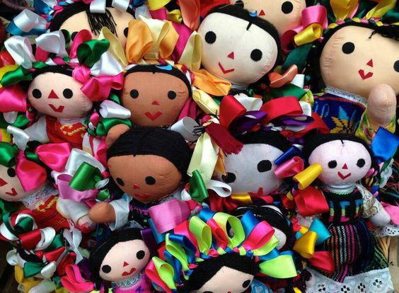 Muñequitas hechas a mano por artesanas mexicanas