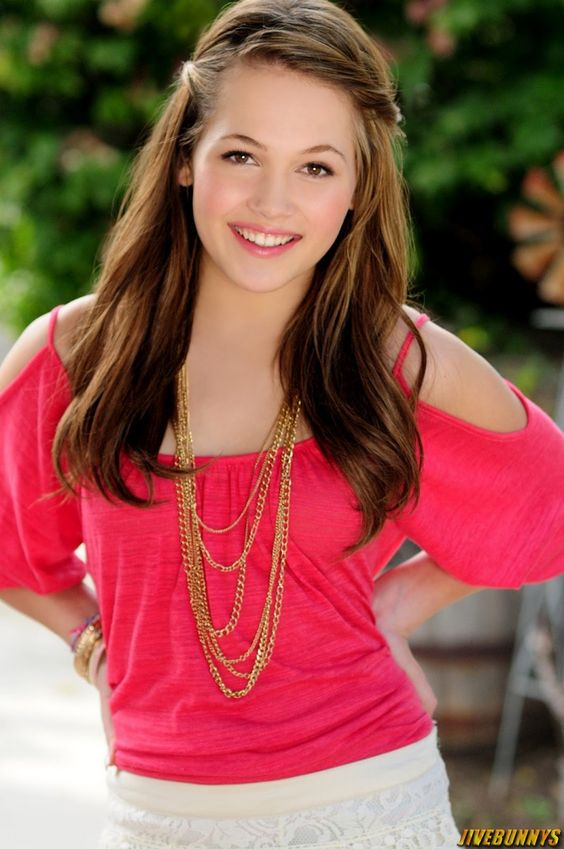 Kelli Berglund - beautiful hair and outfit. I think my princess is going to look similar to her