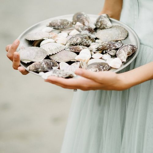 Sea shell details for this seaside bridal shoot by A Very Beloved Wedding | Claire Morgan Photo | Wedding Sparrow Blog #FineArtCuration Member