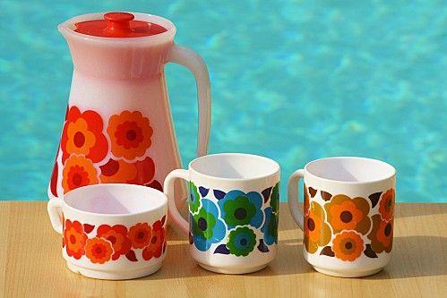 """arcopal verseuse, mugs et tasse série """"lotus"""" années 70"""