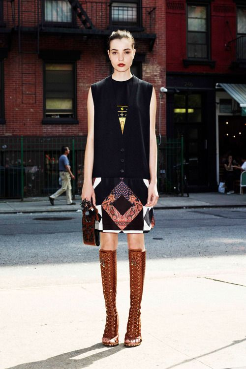 yourmothershouldknow:  Givenchy Resort 2013 Mosaicos y mascadas hechas blusas, pantalones y faldas. ….. Givenchy Resort 2013 Mosaics and scarfs turned into blouses, pants and skirts.