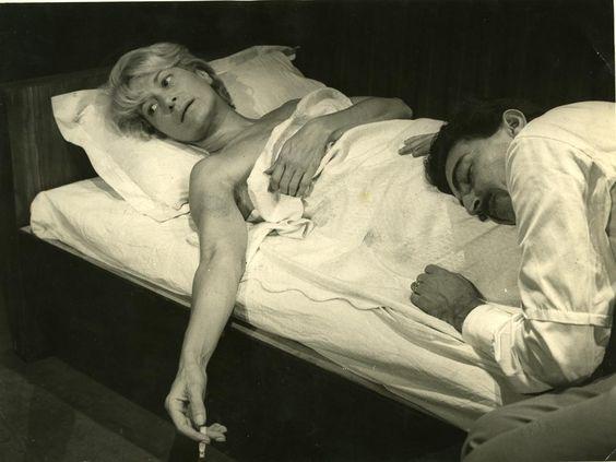 Cleyde Yáconis e Luis Linhares em montagem de Toda Nudez Será Castigada (1965) peça de Nelson Rodrigues