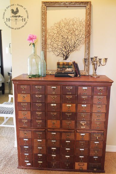 I spent so many hours of my life during college in the library & still fondly recall using the card catalog. Would LOVE a vintage card catalog for my next home office. Already know exactly which items would fill it. :):