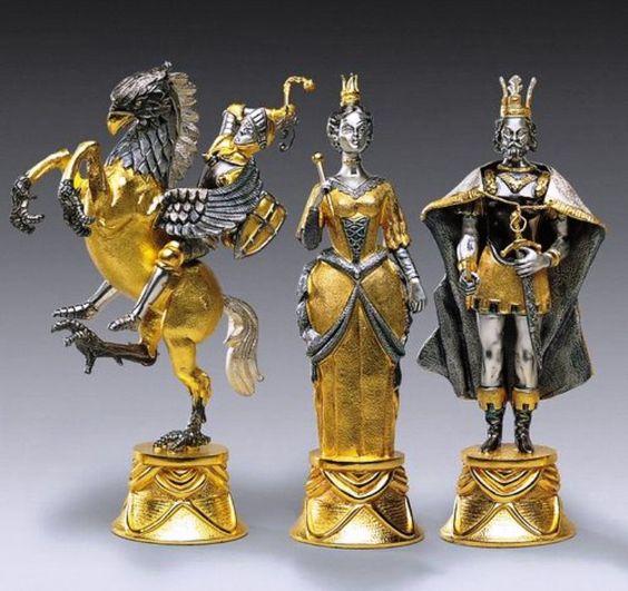 Carolingi xiv world 39 s most expensive chess sets shah - Most expensive chess board ...