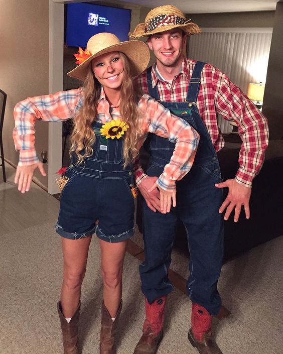 Scarecrow couple halloween costume