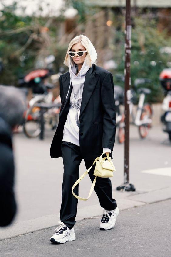 Самая удобная вещь гардероба: 5 образов с худи на каждый день
