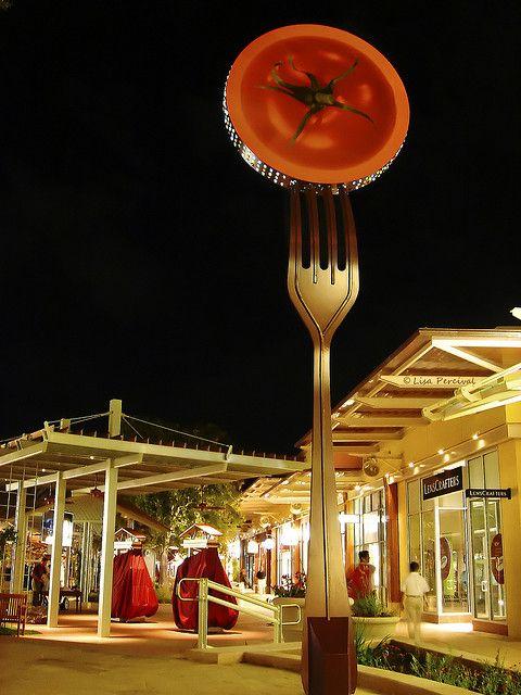 la cantera food court