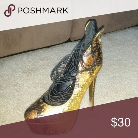 Snake print heel Worn twice Shoes Heels