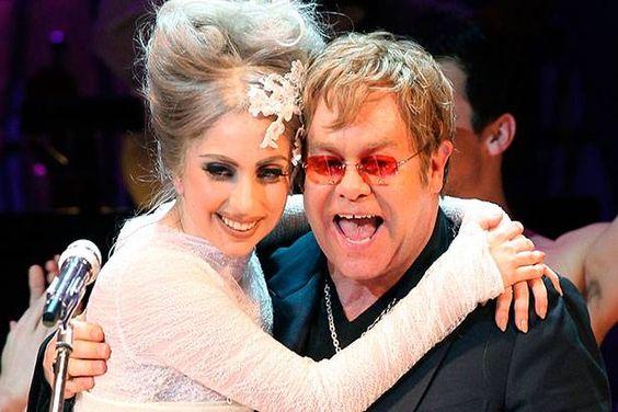 Elton John elogia novo disco de Gaga