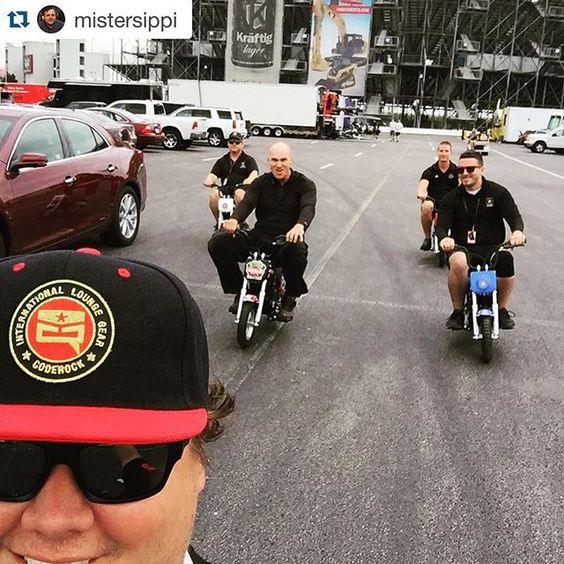 #Repost @mistersippi with @repostapp. ・・・ Tearing it up at the track today #motorcyclegang #ridindirty #coderockstreetwear #burromax @coderockstreetwear