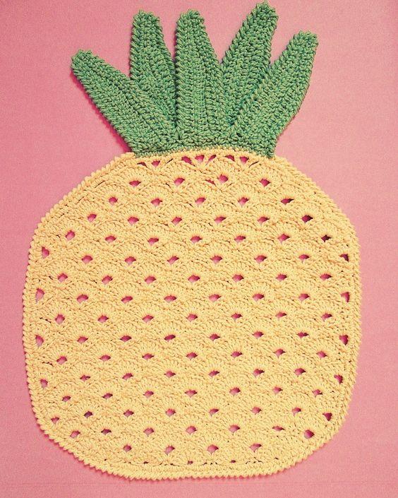 Jogo americano abacaxi. (Coleção Tutti Frutti)  Muita cor e diversão para sua mesa.    100% artesanal!