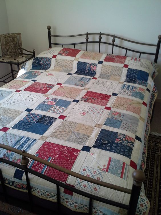 Cornerstone Quilt. Single bed size by CottonGallery on Etsy