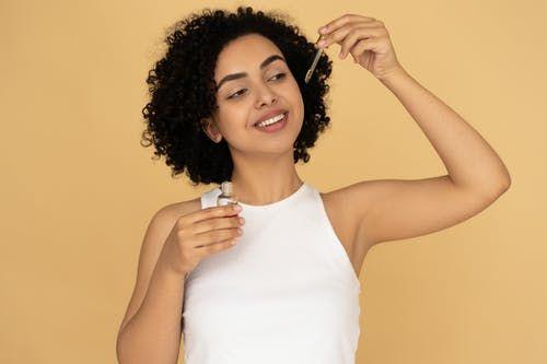 حب الشباب هل العلاجات المعجزة تعمل In 2021 Skin Care Treatments Youthful Skin Anti Aging Treatments