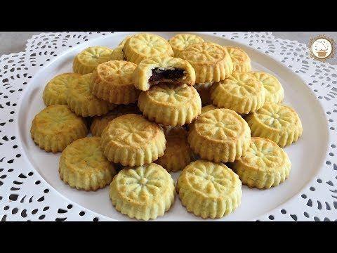 معمول الطحين الفاخر بحشوة التمر بعجينة رائعة و مضمونة اقراص بعجوة Youtube Middle Eastern Desserts Food Cookie Decorating