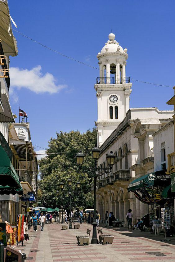 Calle peatonal  en el antiguo Santo Domingo, República Dominicana.