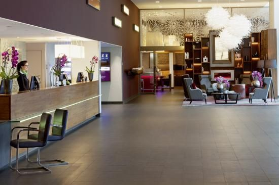 Moevenpick Hotel Amsterdam City Center http://www.tripadvisor.com.br/Hotel_Review-g188590-d601686-Reviews-Moevenpick_Hotel_Amsterdam_City_Center-Amsterdam_North_Holland_Province.html