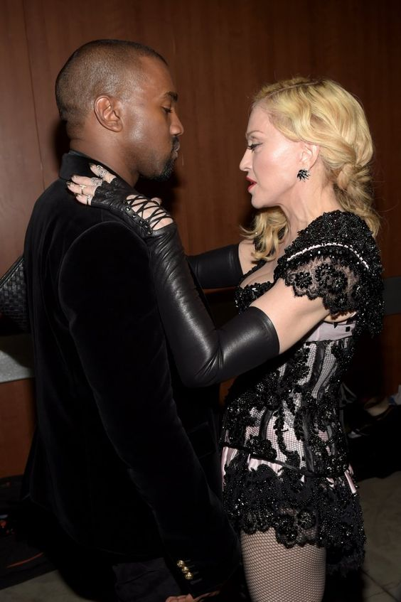Pin for Later: Pendant Que Tout le Monde Parlait de Son Derrière, Madonna, Elle, a Passé une Bonne Soirée Madonna et Kanye West