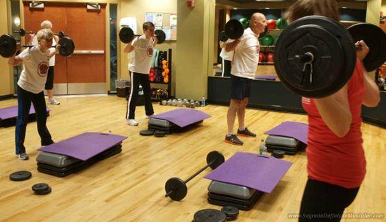 Exercícios No Body Pump 💪 👊 ➡ https://segredodefinicaomuscular.com/7-melhores-exercicios-para-ajuda-la-a-perder-peso/  Se gostar do artigo compartilhe com seus amigos :)  #EstiloDeVidaFitness #ComoDefinirCorpo #SegredoDefiniçãoMuscular
