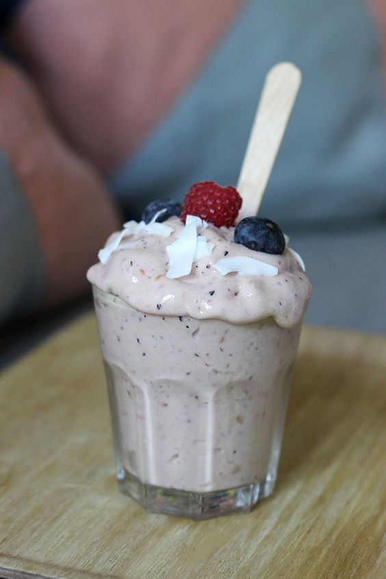 glace banane fruits rouges-sans sorbetiere sans sucre sans lait