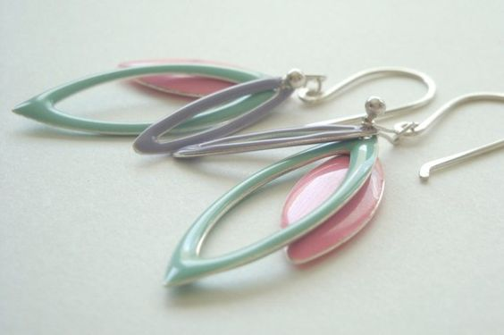 love the colors on these marquise shaped earrings.