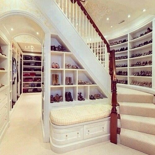 If I had a million dollars <3....to think this is actually in someone's house.