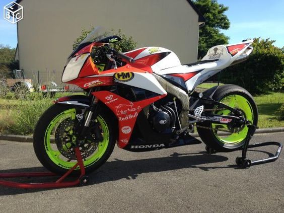 cbr 600 rr pc40 datename