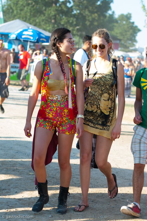 Two Girls in Graphic Prints, Bonnaroo