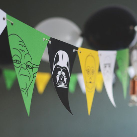 Free download. Star Wars banners to print. Perfect for kids party or star wars fans. Two versions, one or two sides (in Swedish):