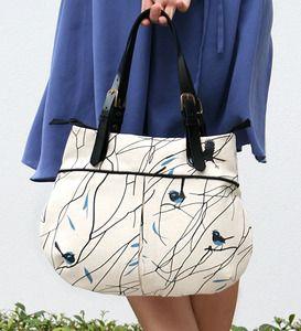 Formosa's 'Superb Wren in Winter' Pleat Bag. Lovely design!