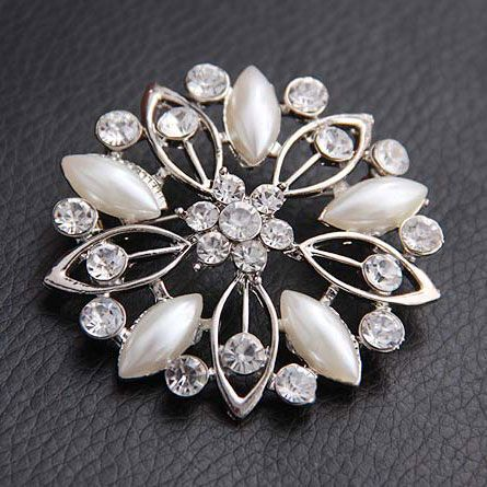 Beautiful Silver Plated Small Flower Rhinestone Jewelry Pin Brooch