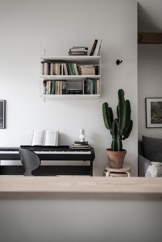Style and Create — Love this Gothenburg apartment via Bjurfors | Styling by always as talented Emma Fischer | Photo by SE360 for Bjurfors