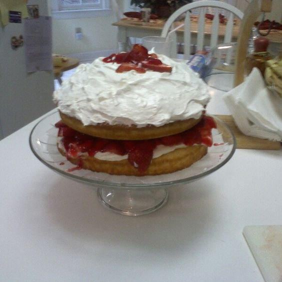 Strawberry Cake with Royal Cream Icing
