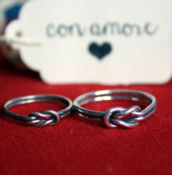 Couple of square knot rings / coppia di anelli con nodo piano - by http://www.sepigioielli.com/