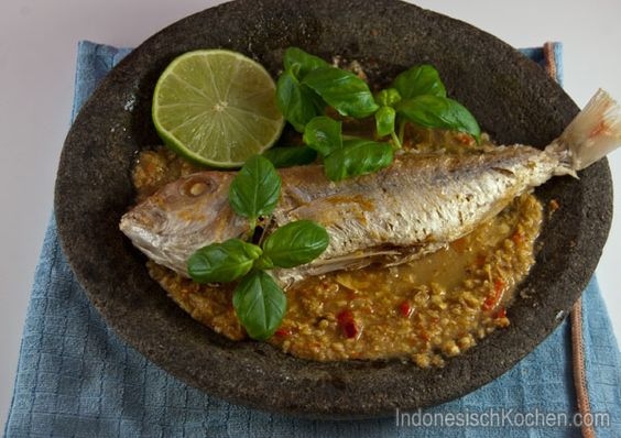 Indonesian food is the best in the world. I wanna try this recipe for Ikan Cobek.