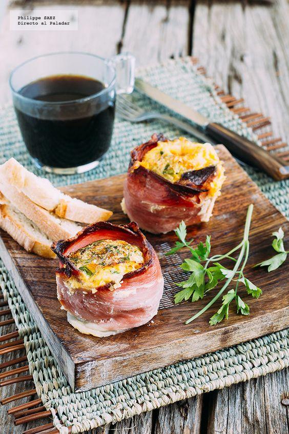 Receta de Huevos en cazuela de jamón serrano. Receta con fotografías del paso a paso y recomendaciones de degustación. Recetas para el desayuno...