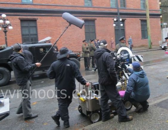 Fringe Team Avoids Checkpoint in Gastown in Ep. 5×11 | yvrshoots