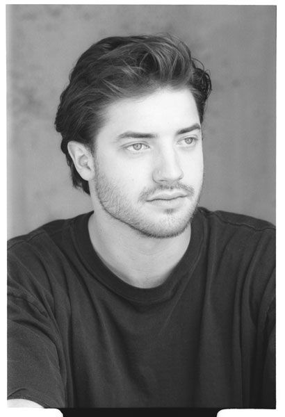 Brendan Fraser ♡  Sure, Brendan Fraser is the typical guy that everyone brushes over. Yes, not all of his movie choices have been the best, but honestly, he's got some real talent hidden under Monkey Bone and Dudley Do Right